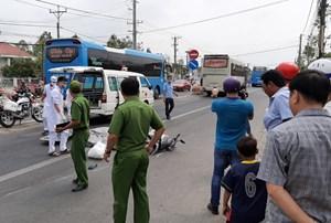 Bạc Liêu: Va chạm giữa xe khách và xe máy, hai người thương vong