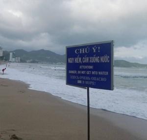 Tắm biển Nha Trang, một du khách người Nga tử vong