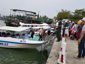 Tạm dừng đưa khách du lịch ra đảo Cù Lao Chàm