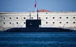 Anh 'ám ảnh' về tàu ngầm 'hố đen đại dương' của Nga