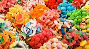Thận trọng với các loại thực phẩm có màu sắcbắt mắt