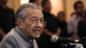 Thủ tướng Malaysia giảm lương nội các, thu nhỏ chính phủ