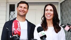 Thủ tướng New Zealand mang thai đứa con đầu lòng