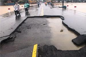 Thừa Thiên - Huế: Con đường hơn 18 tỷ tan nát sau lũ