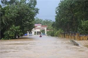 Thừa Thiên - Huế: Hàng nghìn ngôi nhà ngập sâu, một người mất tích