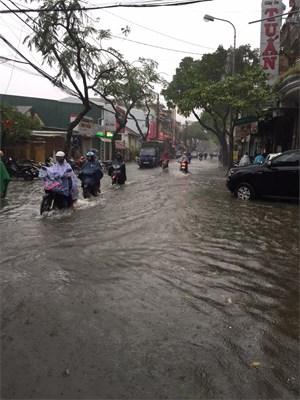 Thừa Thiên - Huế trước nguy cơ ngập lụt do nước sông Hương lên cao