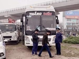 Phạt gần 30 triệu đồng xe khách vận chuyển chui hành khách