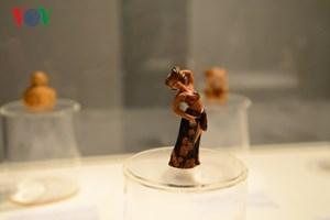 Thưởng thức nghệ thuật điêu khắc gỗ đương đại Nhật Bản tại Hà Nội