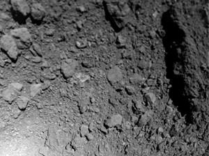 Những phát hiện mới về tiểu hành tinh Ryugu gần Trái Đất