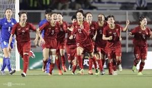 Biểu dương các cô gái 'vàng' của bóng đá nữ Việt Nam