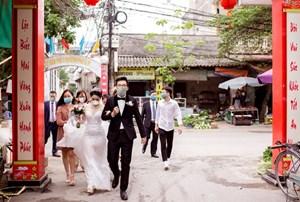 Vận động nhân dân lùi thời gian tổ chức đám cưới
