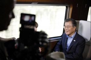 Tổng thống Hàn Quốc đề nghị hoãn tập trận chung với Mỹ