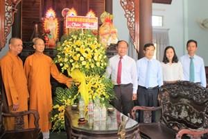 Mặt trận Quảng Nam thăm, chúc mừng Đại lễ Phật đản