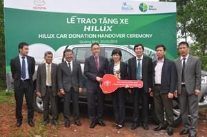 Toyota tặng xe hỗ trợ công tác bảo tồn thiên nhiên ở Quảng Bình