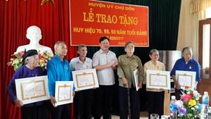 TP HCM: 141 đồng chí được nhận Huy hiệu 70 năm tuổi Đảng