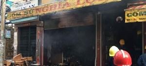 TP HCM:Cửa hàng bán đồ cúng phát hỏa, cả khu phố náo loạn