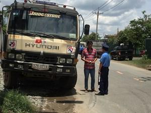 TP Hồ Chí Minh: Nỗ lực ngăn chặn xe quá tải