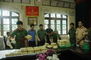 Trên 400 đối tượng buôn ma túy tại Lai Châu sa lưới