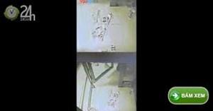 Trung Quốc: Đang đi bộ, bỗng máy ATM 'phun ra' 12 triệu đồng