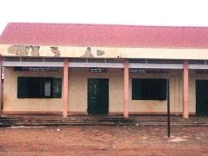 Trường học vùng khó cũng lạm thu
