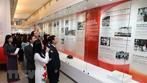 Trưng bày chuyên đề tự hào 90 năm Đảng Cộng sản Việt Nam