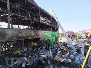 Thanh Hóa: Xe khách hai tầng cháy rụi khi đang lưu thông trên Quốc lộ 1A