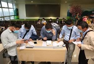Người Việt ở châu Âu có thể về nước qua các hãng hàng không nước ngoài