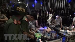 Bình Dương: Phát hiện nhiều thanh niên sử dụng ma túy trong quán karaoke