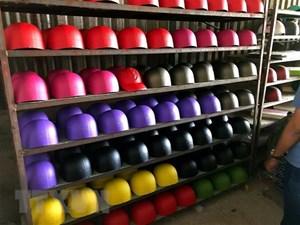 Phát hiện hàng nghìn chiếc mũ bảo hiểm giả