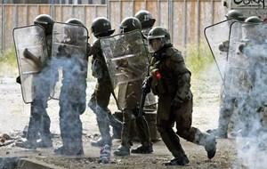 Tổng thống Chile đề xuất dự luật bảo vệ lực lượng an ninh
