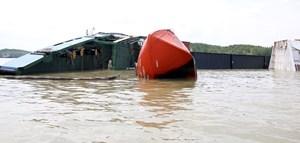 TP HCM: Khẩn trương khắc phục sự cố chìm tàu trên sông Lòng Tàu