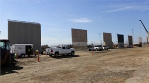 Tường chắn biên giới của Tổng thống Trump bắt đầu thành hình