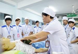 Tuyển chọn điều dưỡng, hộ lý sang làm việc tại Nhật Bản