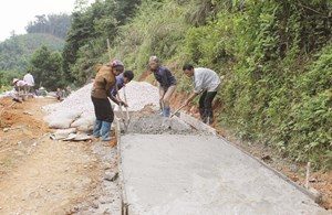 Giúp người dân giảm nghèo bền vững