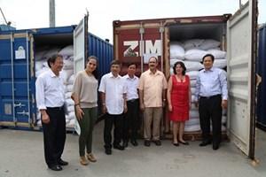 Việt Nam trao tặng 5.000 tấn gạo cho nhân dân Cuba