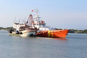 Bà Rịa - Vũng Tàu: Cứu nạn và lai dắt thành công một tàu cá về bờ