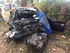 Vụ tai nạn 5 người thương vong do xe ô tô con lấn làn