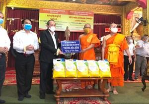Phó Thủ tướng Thường trực Trương Hòa Bình chúc mừng Tết Chôl Chnăm Thmây