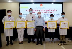 Thừa Thiên - Huế: Tặng Bằng khen cho tập thể, cá nhân tham gia phòng, chống dịch Covid-19