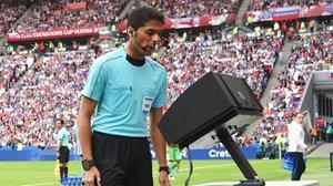 Yêu cầu FIFA công nhận quyền sở hữu trí tuệ VAR
