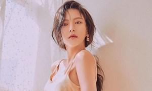 Nữ diễn viên Hàn Quốc đối mặt án tù vì bắt hai con sò tại Thái Lan