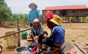 13 hộ dân trên núi Cheng Leng về định cư tại làng Hek