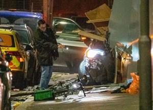 Anh: Xe tải lao vào đám đông ở London làm 7 người bị thương