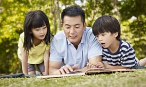 20 năm trầy trật vì học tiếng Anh muộn, bác sĩ Sài Gòn quyết sửa sai cho con