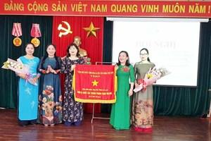 Hội LHPN tỉnh Gia Lai nhận Cờ thi đua của Thủ tướng Chính phủ