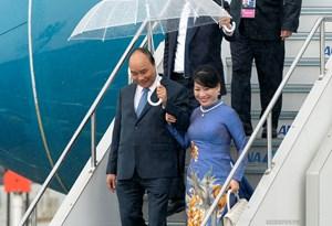 Thủ tướng đến thành phố Osaka, Nhật Bản