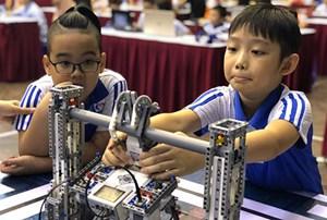 42 đội Robotics nhí Hà Nội tranh tài tham dự Robothon quốc tế