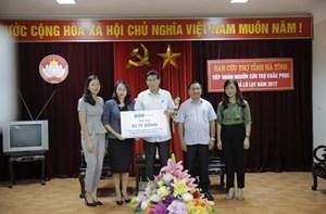 FLC trao 3 tỷ đồng hỗ trợ đồng bào vùng bão lũ Hà Tĩnh