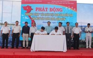 'Hải quân Việt Nam làm điểm tựa cho ngư dân vươn khơi, bám biển'