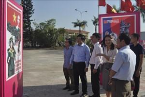 60 bức tranh cổ động Ngày mở đường Hồ Chí Minh